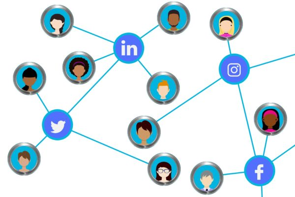 How to use social media when preparing for a networking event